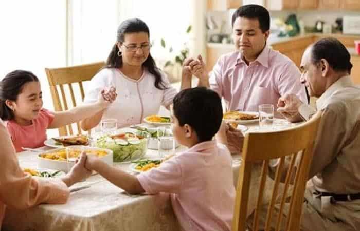 Oración en familia unida