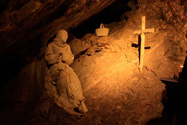 ¿Cómo murió san Benito de Nursia